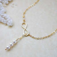 Infinity necklace, Pearl lariat necklace, Wedding jewelry, Bridesmaid necklace, Friendship Birthday Mother's day gift