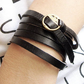 Elegant & Chic Black Leather Wrap Bracelet With Copper Buckle