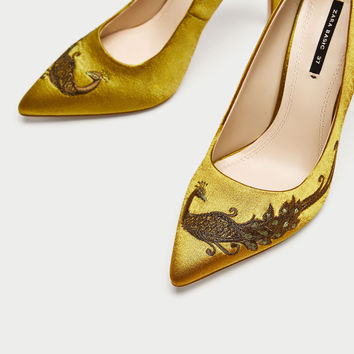 SATIN COURT SHOES WITH EMBROIDERED BEADING DETAILS
