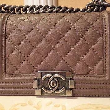 ONETOW Chanel Boy bag