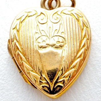 Antique 10K Gold Heart Locket Pendant Bates & Bacon