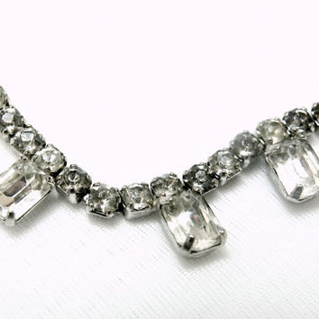 Vintage Clear Rhinestone necklace or choker.