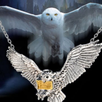 Harry Potter The Flying Hedwig Pendant New with Box
