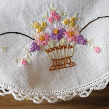 """Embroidered Linen Doily 11"""""""