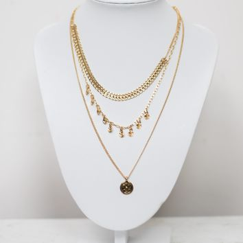 Layered Pendent Necklace Set