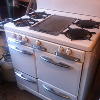 Antique O'keefe and Merritt  Gas Stove