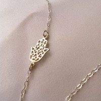 Silver hand necklace - Dainty silver necklace, Silver hamsa necklace, Silver pendant, Delicate silver jewelry, Silver filigree