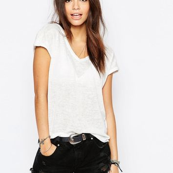 New Look Relaxed V-Neck Tee