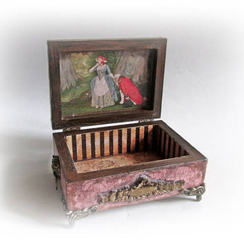 Small Ring Earing Box Vintage Jewelry Box Antique Trinket Box Gift for Mom Maid of Honor Gift Bridesmaid Decoupage Box Retro Proposal Box