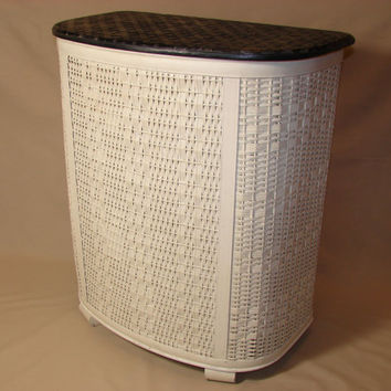 Pearl Wick White Wicker Laundry Hamper Black Vinyl Textured Lid Woven Cloth