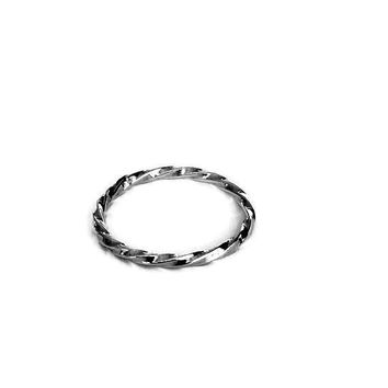 Silver band ring, Twisted ring, simple band ring, Twisted  band ring , sterling silver ring, Band ring , Minimalist ring, unisex ring