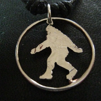 Big Foot Sasquatch por InterlockingQuarters en Etsy