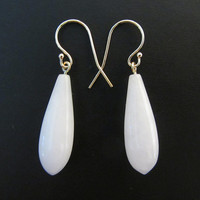 14k Gold Natural White Quartzite Briolette Dangle Earrings - 4.91g