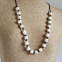 Pearl leather necklace / Mothers Day gift / Anniversary Gift / Bohemian style jewelry