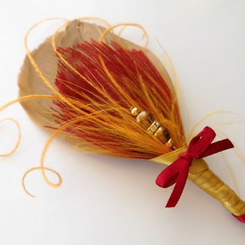 Boutonniere Wedding Groom Groomsmen Red Gold Peacock Feather Boutonniere Lapel Pin Buttonhole