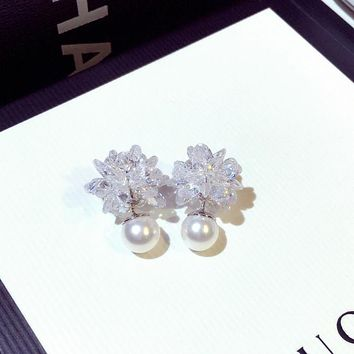Women Temperament Fashion Double-sided Ice Flower Pearl Stud Earring