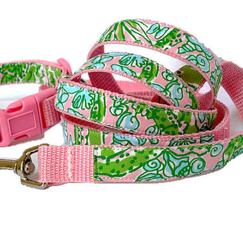 Dog Collar and Leash Set Made from Lilly Pulitzer See Ya Later Alligator Fabric Size: Your Choice