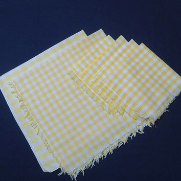 6 Vintage 1980s Yellow & White Gingham Mis-Matched Dinner and Lunch Napkins with Fringe, Vintage Table Linens, Country Look Napkins