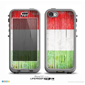 The Green, White and Red Flag Wood Skin for the iPhone 5c nüüd LifeProof Case