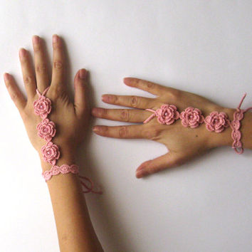 Peach Wedding Cuffs Crochet Bridal Mitts Sexy Crochet Fingerless Mittens Hand Wedding Accessories Jewelry Beaded Floral Wrist Cuffs - SC0005