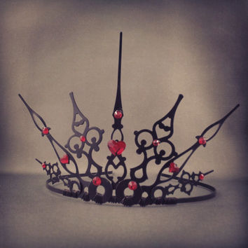 Gothique Hearts - Filigree Gothic Queen of Hearts Costume Tiara - Made to Order