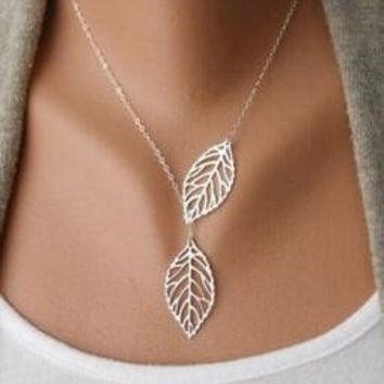 2015 Simple European New Fashion Vintage Punk Gold Hollow Two Leaf Leaves Pendant Necklace Clavicle Chain Charm Jewelry Women