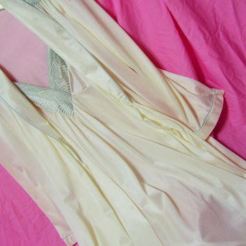 Ivory Satin and Silver Embroidery Peignoir Set Long Robe Night Gown Sexy Sleepwear Honeymoon Bridal Resort Cruise Wear Size Small Val Mode