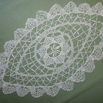 Doily, Torchon Lace, Medium, Oval, Table Centrepiece, Hand Netted, 15 inches, English