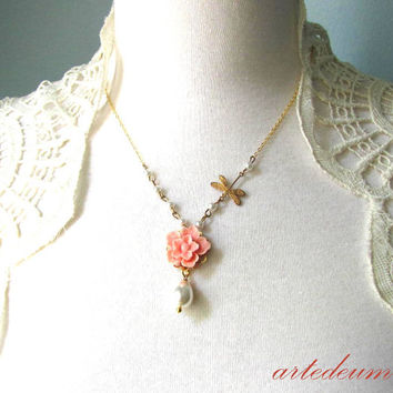 Flower Necklace Dragonfly Pink Peach white Pearls necklace Antique gold Vintage Romantic short dainty lavalier Teardrop Pearl Boho jewelry
