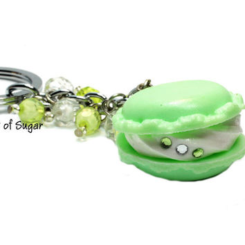Green Macaron Cookie Keychain - French macaroon keyring - Kawaii cute miniature food - fake food sweets
