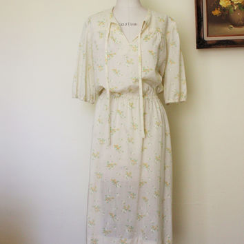 Vintage 1970s Yellow Floral Print Dress