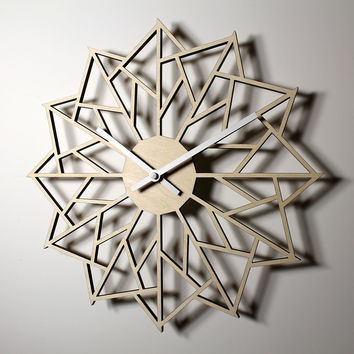 WOODEN WALL CLOCK - PINWHEEL