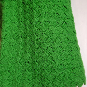 Vintage afghan  kelly green crochet throw blanket