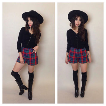 90's PLAID FLANNEL SHORTS - high-waisted - pockets - small