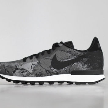 Nike international Jacquard  cool grey / black / white