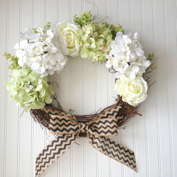 White and light green hydrangea and rose wreath. wreath for summer. wreath for door, hydrangea wreath.