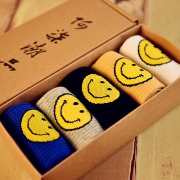 Unisex 5pcs Smile Socks