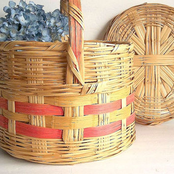 Vintage Large Oval Woven Basket w/ Lid & Handle hand woven reed straw storage home decor EXCELLENT Cottage Shabby Chic Beach, Farmhouse