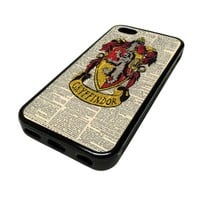 Apple iPhone 5C 5 C Case Cover Skin Harry Potter Pattern Gryffindor Crest Dictionary Page Cute DESIGN BLACK RUBBER SILICONE Teen Gift Vintage Hipster Fashion Design Art Print Cell Phone Accessories