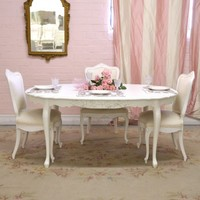 Darling Oval Dining Table with Roses
