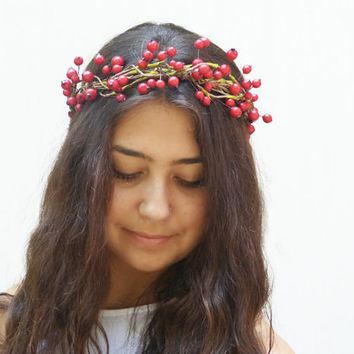 Red Berry Wedding Crown - Flower Girl Hair Wreath, Christmas Wedding, Winter Wedding, Bridal Headband, Flower Girl Headband, Holly Berry