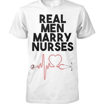 Real Men Marry Nurses Funny Fathers Day Gift for Dad T-Shirt