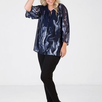 Love Your Wardrobe Plus Size Navy Abstract Pintuck Print Blouse