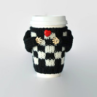 Coffee cozy. Alice in Wonderland mug sweater. Queen of Hearts. Coffee funny. Checkered travel mug cozy. Valentine's gift. Red heart.