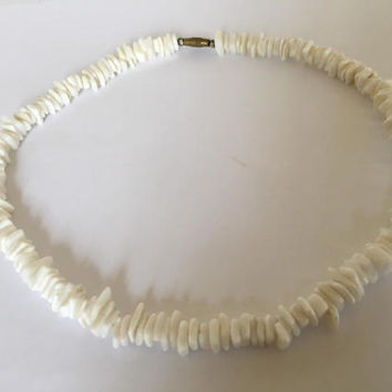 Vintage Handmade White Puka Shell Choker Style Necklace Screw close Length 17""