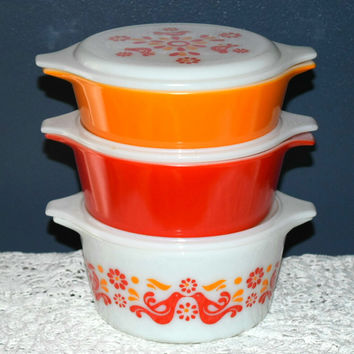 Vintage Glassware-Pyrex-Friendship-Pattern-Round-Casseroles-Set of 3