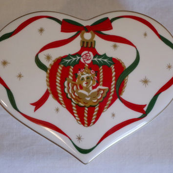 Christopher Stuart HOLIDAY HEART Bone China Trinket Box - Collectible Christmas Porcelain- Heart Shaped Box