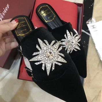 DCCKLM3 Roger vivier pointed slippers