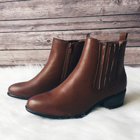 The Sadie Chelsea Boot (Chestnut)