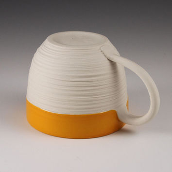 Groove Mug in Orange